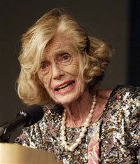 Eunice Kennedy Shriver Dies in Hospital at 88
