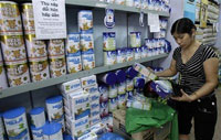Chinese milk-containing food banned in Europe