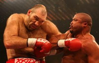 Jameel McCline fights with Samuel Peter