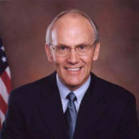 Larry Craig and his sex scandal becomes another problem for US Senate Republicans