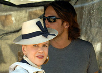 Nicole Kidman's alcoholic husband Keith Urban greeted in Australia with bottle of booze