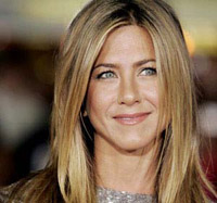 Female Contribution to Haiti Victims from Jen Aniston