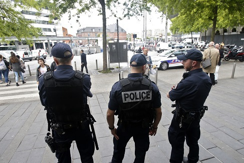Football riots in France: Why can England fans get away with it?. 58211.jpeg