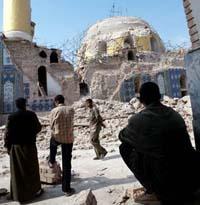 Iraqi police: Insurgents destroy minarets on Golden Dome in Samarra