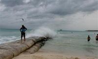 Hurricane Wilma gathers strength