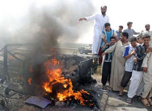 Eight Iraqis killed by roadside bomb