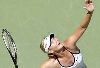 Maria Sharapova returns to No. 1 despite her loss to Serena Williams