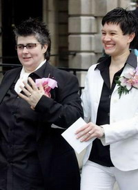 High court to hear gay divorce case