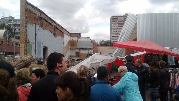 Abandoned Soviet cinema collapses in Moscow suburban town. 61231.jpeg