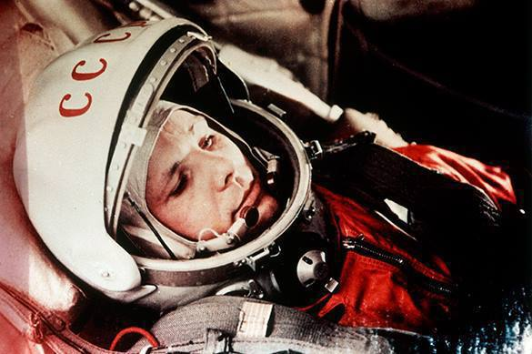 yuri gagarin and neil armstrong - photo #4