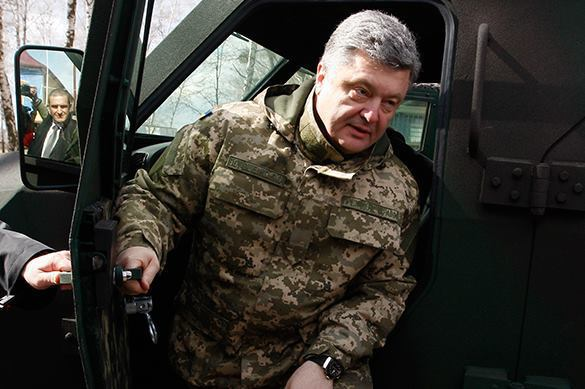 Poroshenko speaks about threat of open war with Russia. Petro Poroshenko speaks to Bild