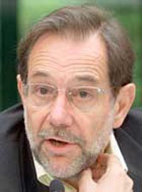 Javier Solana wants EU to continue to support Palestinians