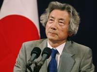 Ex-Prime Minister Koizumi visits War Shrine in Tokyo