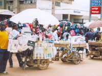 Dakar street vendors clash with police