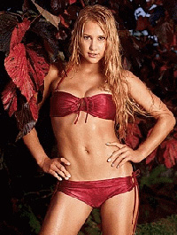 Anna Kournikova swaps her bikinis for Boys and Girls of America