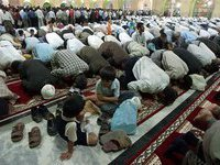 Muslims paralyze Moscow for religious holidays. 45267.jpeg