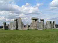 Workers' village unearthed near Stonehenge circle