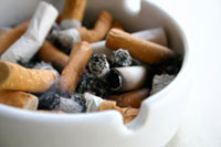 Tobacconists strike in France against smoking ban