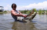 Professional alligator wrestlers are dying breed