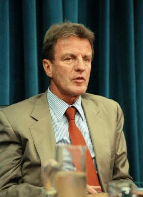 New French Foreign Minister Bernard Kouchner to visit Lebanon