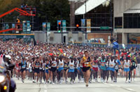 One runner dead and 250 hospitalized in Chicago Marathon