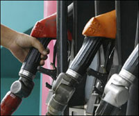 Oil Prices Fall Below 66 USD in Asia
