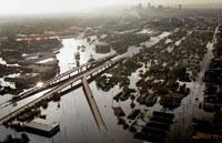 New Orleans deluge to slacken