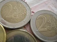 Euro Rises Against Dollar
