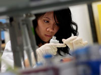 Better Samples of AIDS Vaccine  to Be Released in Near Future