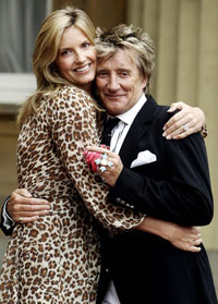 Rod Stewart To Become Dad for 8th Time