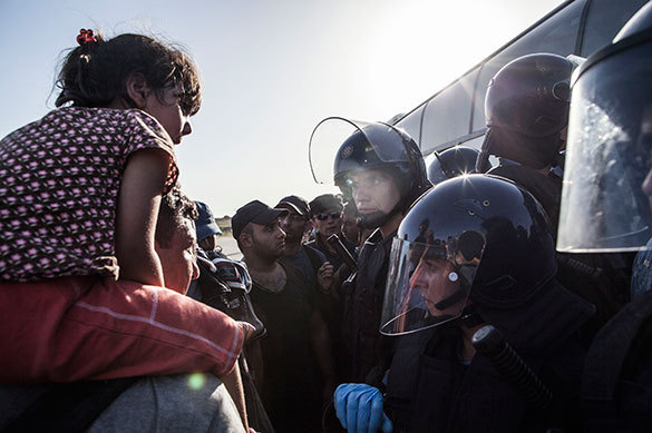 End of EU: Croatia blocks Serbian border. Refugees