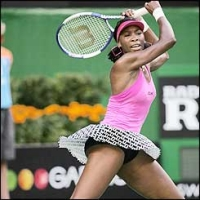 J&S Cup: Santangelo upsets Petrova, Venus Williams advances
