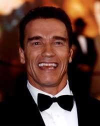 Schwarzenegger: Immigrants should avoid Spanish-language media to learn English