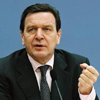 Schroeder returns to German chancellery