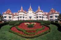 Disney to ban smoking at all of its hotels