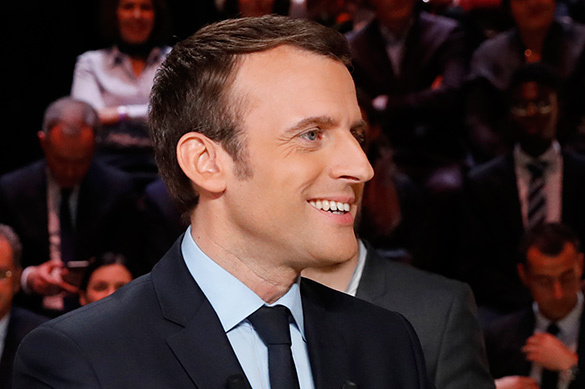 Emmanuel Macron: A political pawn in the battle for France. 60368.jpeg
