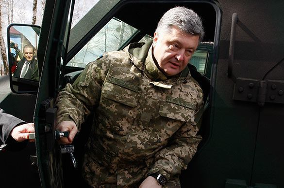 Ukraine's Poroshenko to teach NATO how to wage war against Russia. 58373.jpeg