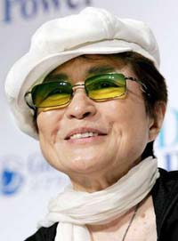 Yoko Ono's chauffeur accused in extortion plot