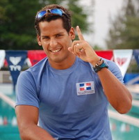 Dominican world record-holder swims to raise money for poor sick Dominican children