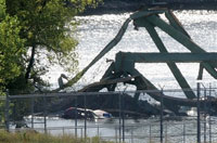 Mississippi River bridge collapse death toll rises to 12