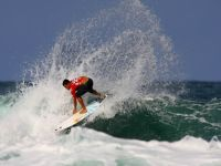 Surfing: Brazilian leads ranking for first time. 44396.jpeg