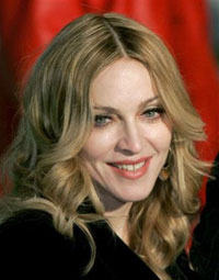 Madonna Booed After Standing Up For Gypsies In Romania