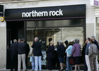 People still withdraw money from troubled mortgage lender Northern Rock