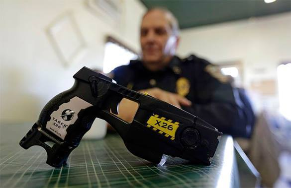 US cops use Tasers against citizens over 300,000 times a year. US cops rely on Tasers too heavily