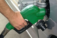 Gasoline futures rise to highest level in nearly six months