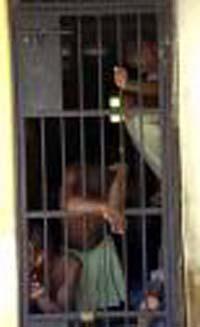 Burundi releases 780 political prisoners