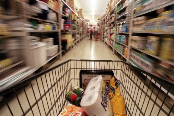 WSJ article for American consumers exposed as idiotic and mindless. Stingy American consumers