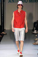 Bad boys rule on first day of Paris men's fashion