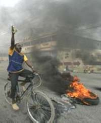 Violence erupts in Haiti as delay in votes counting continues