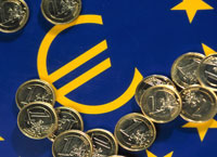 European currency hits new high against US dollar